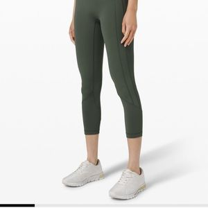 Lululemon crop all the right places